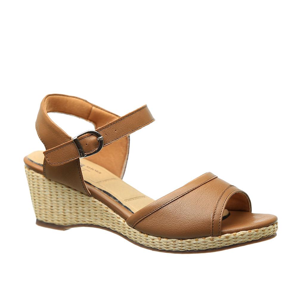 50cd312d4 Sandália Feminina Anabela 610 em Couro Doce de Leite Doctor Shoes - Doctor  Shoes